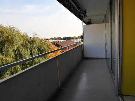 Wiesbaden-Auringen: Ruhige 2-Zimmer-Wohnung mit großem Balkon und PKW-Stellplatz; Günstiges Hausgeld