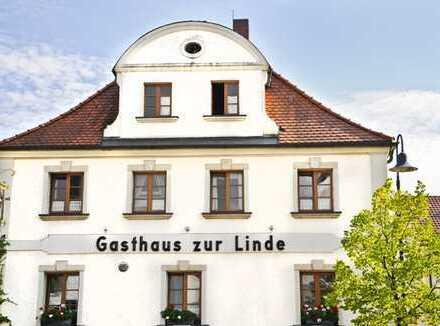 Apartmenthotel mit 19 Zimmern & Gasthaus plus DG Wohnung, verkehrsgünstig gelegen nahe Erlangen