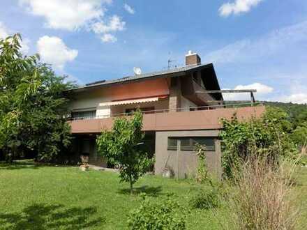 Repräsentatives und freistehendes Familienhaus mit Doppelgarage und Neckarblick!!