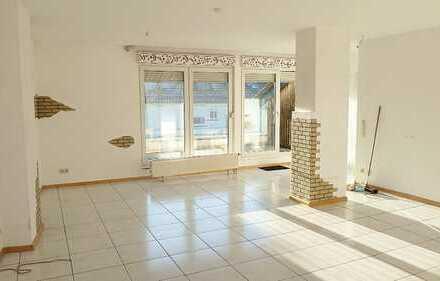 Riesiges Wohnzimmer, schöne 3-Zimmer-Wohnung in Overath-Untereschbach, großer Balkon