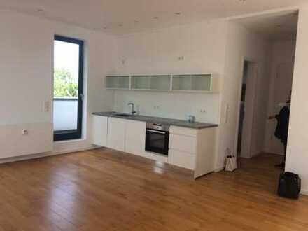 Weiden: Elegantes 2-Zimmer-Penthouse mit Einbauküche und viel Charme und Flair!