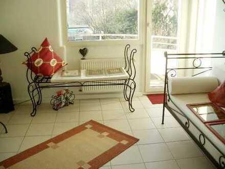Renovierte 4-Zimmer-Wohnung mit Balkon (Sonnenseite) in Düsseldorf