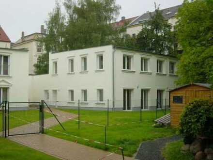 exkl.Gartenhaus 6 Zimmer,2 Bäder,G-WC,Laminat,2 Terrassen,Garten in Gohlis-Mitte ruhig und grün