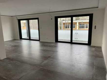 Neubau Erstbezug ! Traumhafte 4-Zimmerwohnung mit exkl. Einbauküche und Balkon !