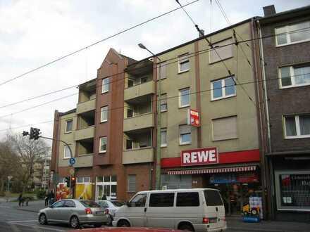 1-Zi. Wohnung im zweiten Obergeschoss mit Balkon zu vermieten