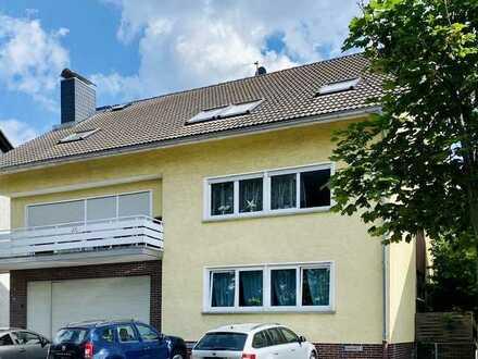 Profi Concept: Urberach, Komplett renovierte 5 Zi.-DG-Wohnung mit sonnigem Balkon