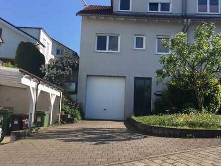Schöne Doppelhaushälfte mit toller Aussicht in Eberdingen-Nussdorf