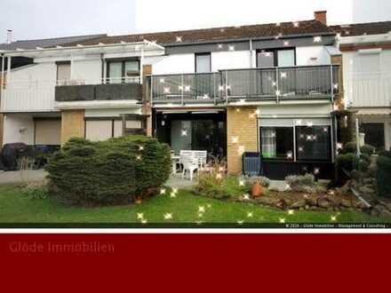 ++ FRUERLUND! - Gemütlicher und gepflegter 70er in ruhiger Lage - mit Carport + Balkon + Terrasse ++