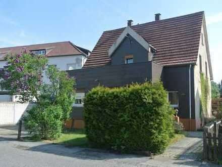 stark sanierungsbedürftiges Einfamilienhaus in Brackwede