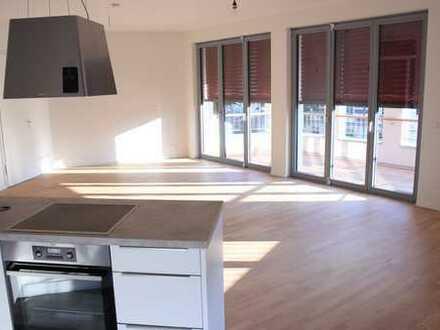 Erstbezug mit Einbauküche und Balkon: freundliche 4-Zimmer-Wohnung in Berlin-Weißensee