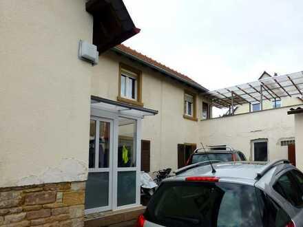 - RESERVIERT- Große renovierte Doppelhaushälfte zum sofortigen einziehen und wohlfühlen