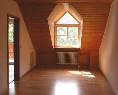 4-Zimmer-DG-Wohnung in gepflegtem Anwesen zu vermieten