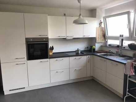 *Provisionfrei* hochwertige 3-Zimmer Wohnung in stadt-/bahnhofnaher Lage von Waiblingen