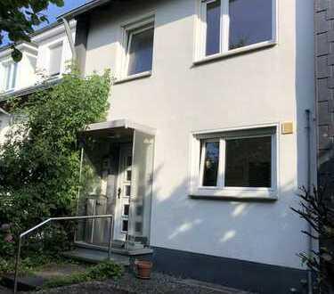 !! Bezugsfreies Reihenmittelhaus in Top Lage von Friedrichsdorf/Seulberg !!
