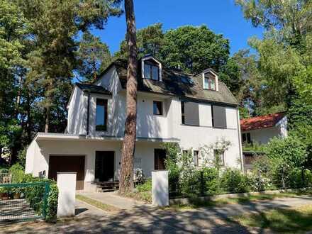 6-Zi. Haus im Haus in Frohnau mit Wintergarten und Terrasse