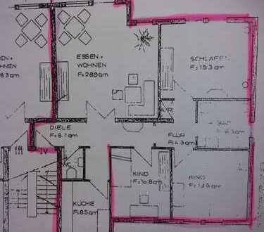 Gepflegte 4-Zimmer-Wohnung mit Balkon und EBK in Ladenburg