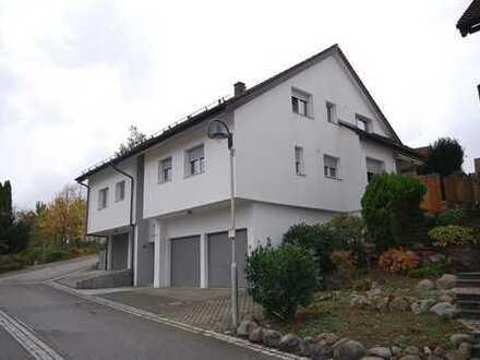 Sympathische 2-Zimmerwohnung mit Dachterrasse + Garage