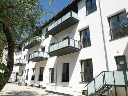 Sanierte 2-Raumwohnung mit großer Terrassenfront in ruhiger Lage - *Erstbezug*