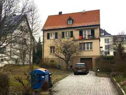 Schöne 6-Zimmer-Wohnung mit Balkon und Einbauküche in Reutlingen