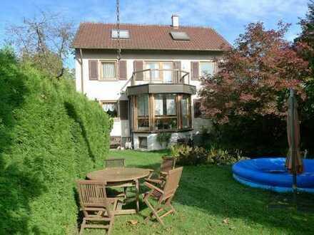 Zweifamilienhaus mit Garten und Baufenster in Rosswälden zu verkaufen!