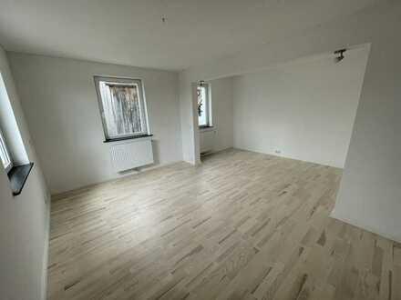 Sanierte 2-Raum-Maisonette-Wohnung mit Einbauküche in Ötigheim