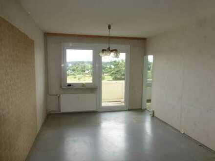Sanierungsbedürftige 3-Raumwohnung mit Balkon in Heinrichsort