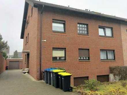 Kapitalanleger aufgepasst! Dachgeschosswohnung mit Loggia und Stellplatz im Dreifamilienhaus