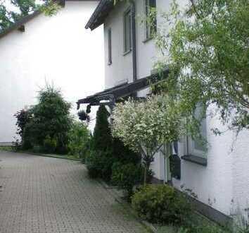 ruhig gelegene Doppelhaushälfte in Oberlungwitz