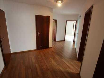 Modernisierte 3-Zimmer-Wohnung mit großer Terrasse und EBK in Oberursel- Oberstedten
