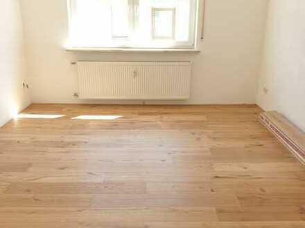 Erstbezug nach Sanierung: attraktive 2,5-Zimmer-Wohnung in Teublitz