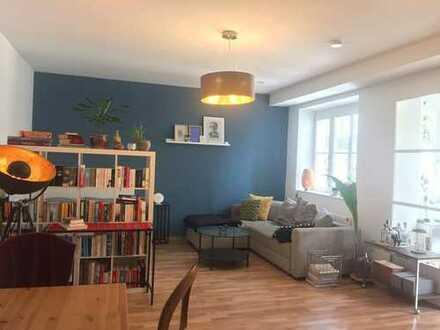 Stilvolle, geräumige und gepflegte 1-Zimmer-Wohnung mit Einbauküche in Heidelberg