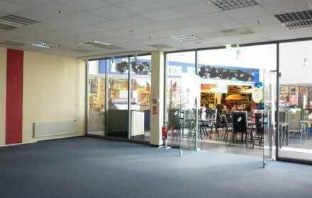Schöne Ladenfläche im Einkaufszentrum