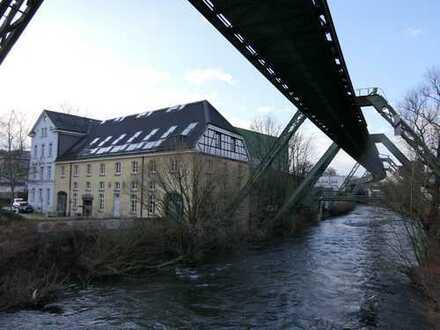Traumhafte Location direkt an der Wupper - Die Kornmühle in Barmen