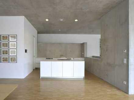 Design-Loft-Wohnung - Sichtbetonbau mit großer Dachterrasse