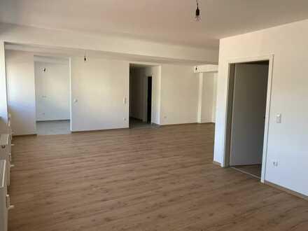 Erstbezug nach Sanierung mit Balkon: freundliche 2-Zimmer-Wohnung in Grafenau