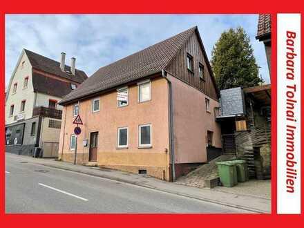 Zentral gelegenes Einfamilienhaus mit zwei Terrassen in Benningen am Neckar