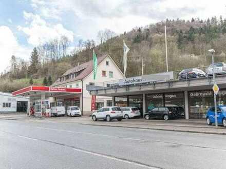 Gelegenheit in Oberndorf: Autowerkstatt mit Lackier. , Ausstellungsr. und gr. Außenfl. zu verp.