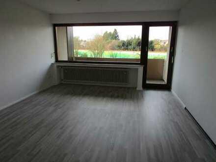 Gepflegte 2,5 Zimmerwohnung 78 qm mit Balkon in Köln-Höhenhaus