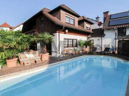 Geschmackvolles 6-Zi.-EFH mit gehobener Ausstattung, Sauna, Whirlpool und Pool in ruhiger Wohnlage