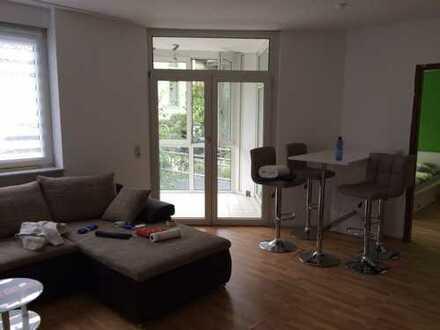 2 Zimmer /Einbauküche/Bad mit Wintergarten, 55qm