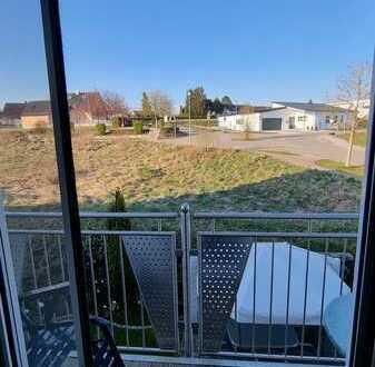 Freundliche 4-Zimmer-Wohnung mit Balkon und Einbauküche