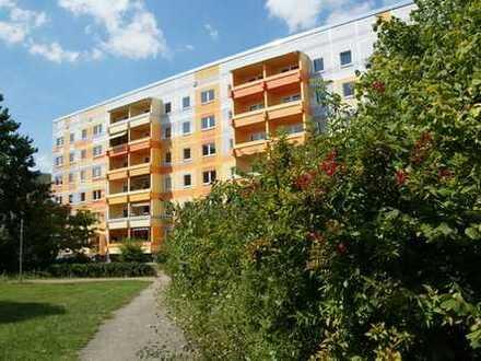 Wohnen im Herzen von Grünau---große, grüne Höfe---weitläufige Wohnanlage---Nähe Alleecenter