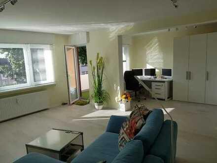 Fast-Erstbezug nach Sanierung mit EBK und Balkon: attraktive 3,5-Zimmer-DG-Wohnung in Dortmund