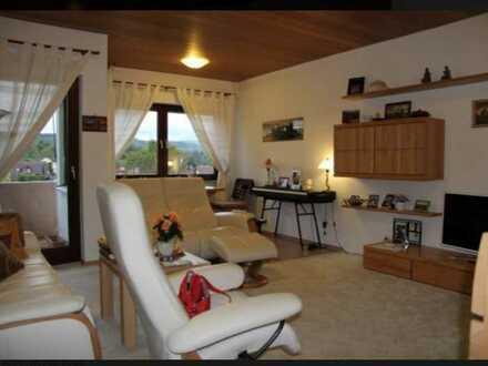3,5-Zimmer-Wohnung, fantastischer Blick, ruhige Ortsrandlage in Gomaringen
