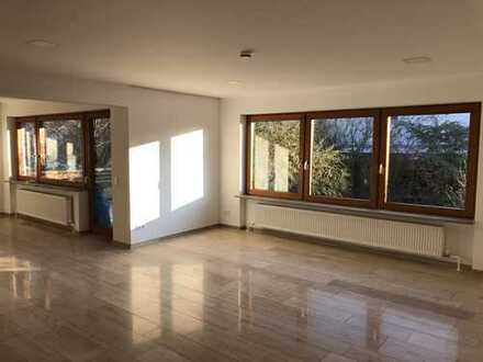 Traumhafte, geräumige drei Zimmer Wohnung in Ludwigsburg (Kreis), Freiberg am Neckar