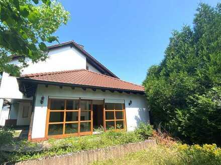 POCHERT IMMOBILIEN - Charmantes freistehendes 1-Familien-Haus mit Garten und Doppelgarage