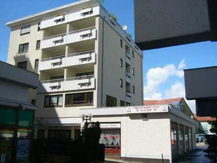 2 Zimmer Appartement mit Einbauküche, Hausmeisterservice und Aufzug zur Miete