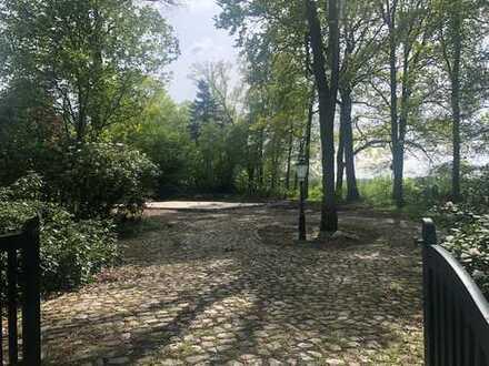Traumgrundstück mit Poolarea am Golfplatz St. Dionys