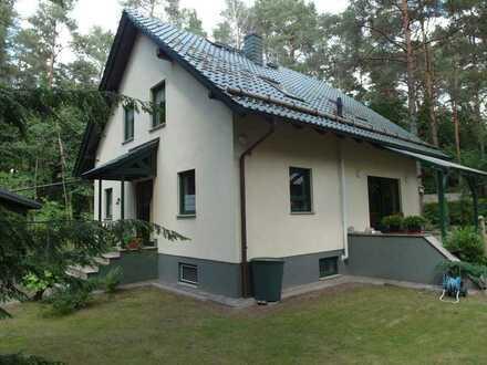 Großes Familienhaus in ruhiger Lage am Waldrand zu verkaufen