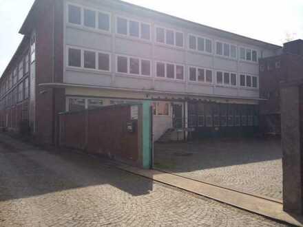 700 m2 Lager - Zufahrt nur für kleine LKW, Rampe im Gebäude